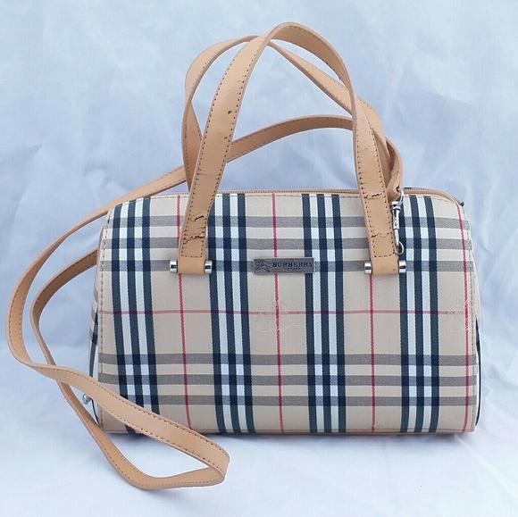 fdebe6e3b22 Burberry Handbags - Burberry London DAMAGED Purse Vintage Handbag